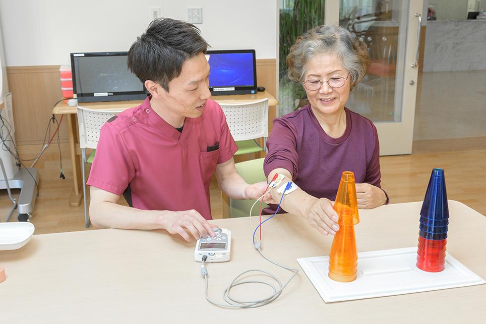画像:IVES/PAS(電気刺激装置)