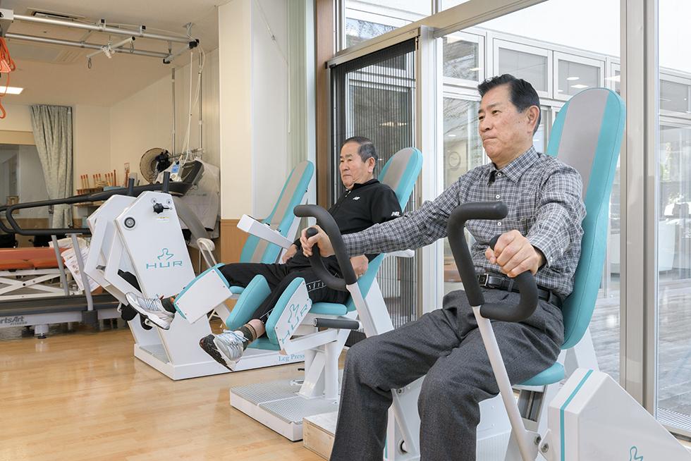画像:筋力トレーニングマシン